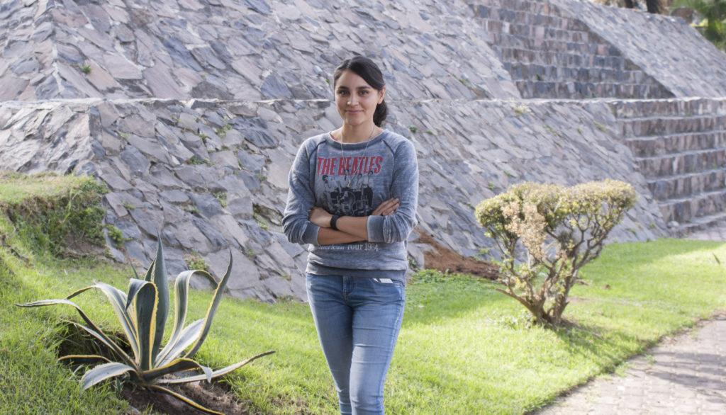 Mayra Veliz - egresada de UNIAT.