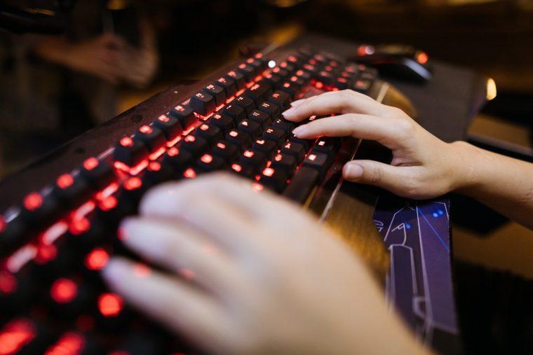 BloodyStealer: el troyano comercial que apunta a los gamers